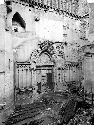 Basilique Saint-Denis Transept sud, partie inférieure, Durand, Eugène (photographe),