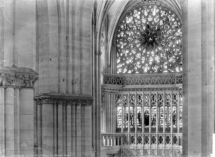 Cathédrale Notre-Dame Vue intérieure du transept nord : baies hautes et rosace, Mieusement, Médéric (photographe),