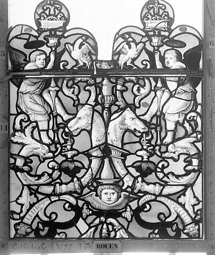 Cathédrale Vitrail, Chapelle Saint-Joseph, Vie de saint Romain, lancette de droite, premier panneau, en haut, Heuzé, Henri (photographe),