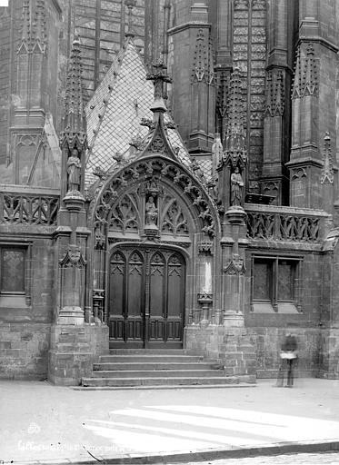 Eglise Saint-Maurice Porte de la sacristie, Robert, Paul (photographe),