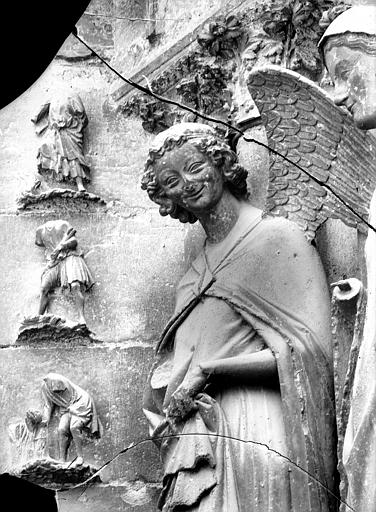Cathédrale Notre-Dame Portail ouest, buste de l'Ange de l'Annonciation, Lajoie, Abel,