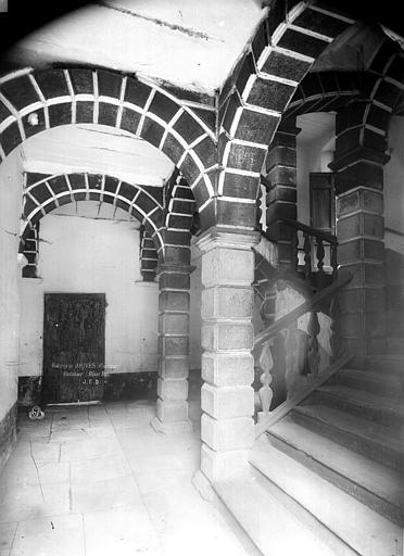 Eglise Escalier, Durand, Eugène (photographe),