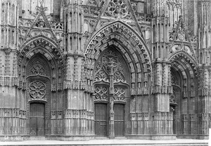 Cathédrale Saint-Gatien Portail de la façade ouest, Mieusement, Médéric (photographe),