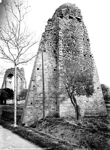Aqueduc antique Pile, Mieusement, Médéric (photographe),