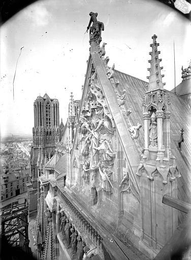 Cathédrale Notre-Dame Partie supérieure du pignon sud, l'Assomption, Lajoie, Abel,