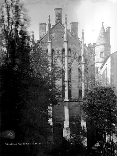 Palais des Comtes de Poitiers (ancien) ; Palais de Justice Pignon est, Durand, Eugène (photographe),