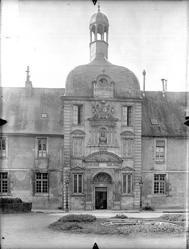 Collège de Jésuites (ancien) dit Collège de Poitiers Pavillon Henri IV, Gossin (photographe),