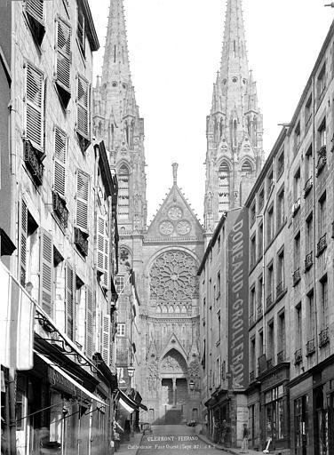 Cathédrale Notre-Dame Façade ouest, prise de la rue des Gras, Durand, Jean-Eugène (photographe),