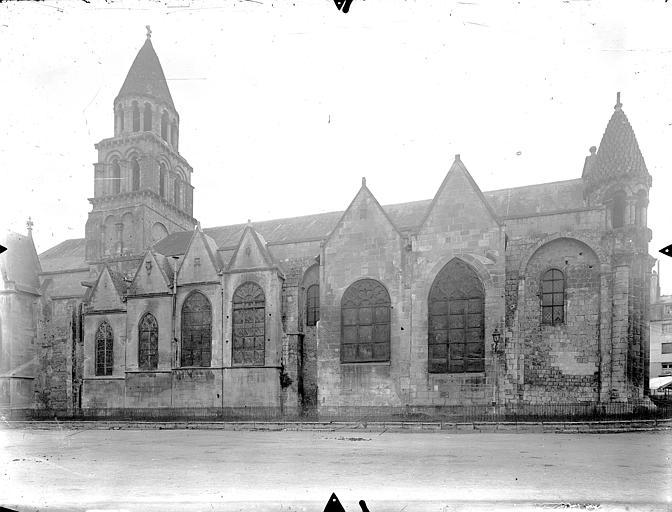 Eglise Notre-Dame-la-Grande Façade nord, Gossin (photographe),