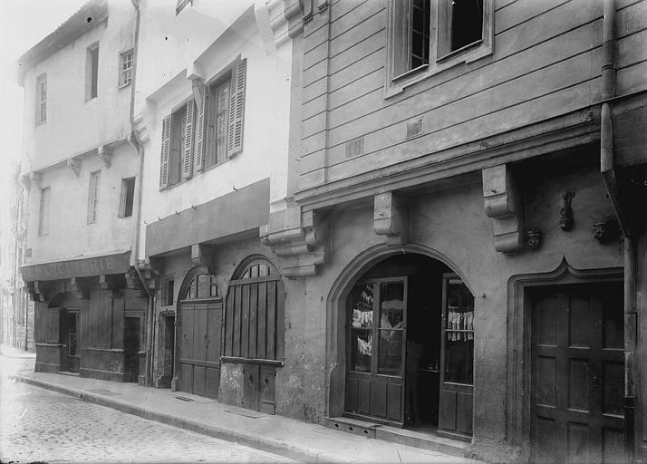 Maisons Façades sur rue, Enlart, Camille (historien),