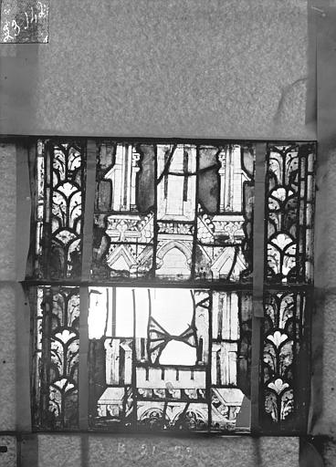 Eglise Saint-Gengoult Vitrail du transept nord, fenêtre B, 3ème lancette, panneaux  au dessus 21, 22, Romanais (photographe),