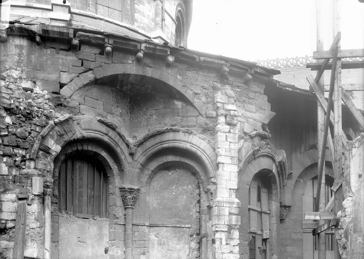 Abbaye Saint-Martin-des-Champs (ancienne)/Eglise Saint-Martin-des-Champs Abside, arcs et décharge, en largeur, Durand, Eugène (photographe),