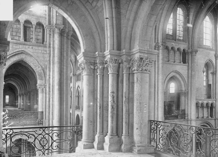 Eglise Notre-Dame Triforium du transept, Heuzé, Y.,