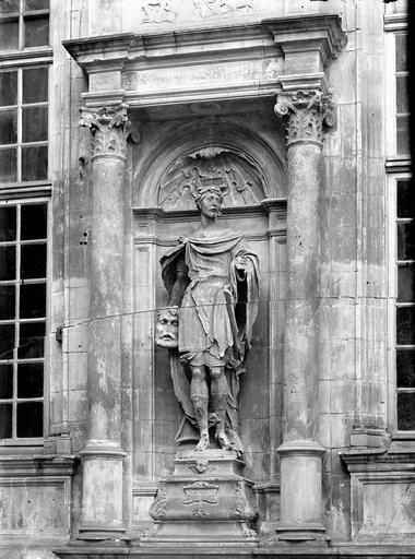Hôtel d'Escoville (ancien) , Durand, Eugène (photographe),
