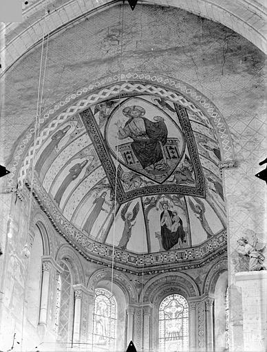 Eglise Sainte-Radegonde Peintures murales de la voûte du choeur : Christ en majesté et tétramorphe. Vierge à l'Enfant entre deux anges. Hommes et femmes d'Eglise, Gossin (photographe),