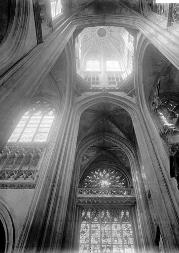 Eglise Saint-Ouen Tour lanterne, intérieur, Enlart, Camille (historien),