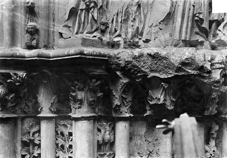 Basilique Saint-Denis Portail du transept sud : Chapiteaux, Vorin,