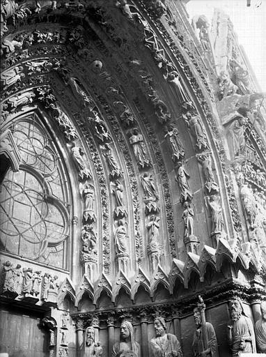 Cathédrale Notre-Dame Portail ouest, porte de droite, voussure de droite, Lajoie, Abel,