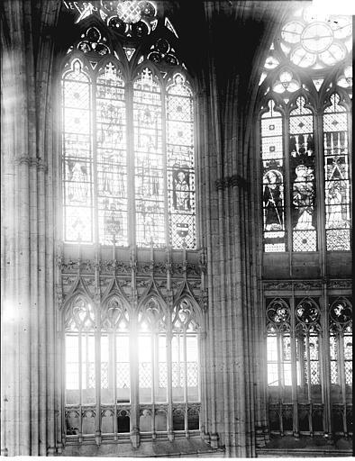 Cathédrale Notre-Dame Chapelle de la Vierge: fenêtres, Enlart, Camille (historien),