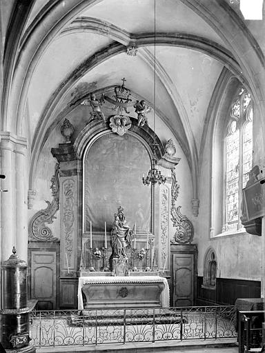Eglise Saint-Hippolyte Vue intérieure de la chapelle Notre-Dame dans le bas-côté sud : Autel, retable et tabernacle, Gossin (photographe),