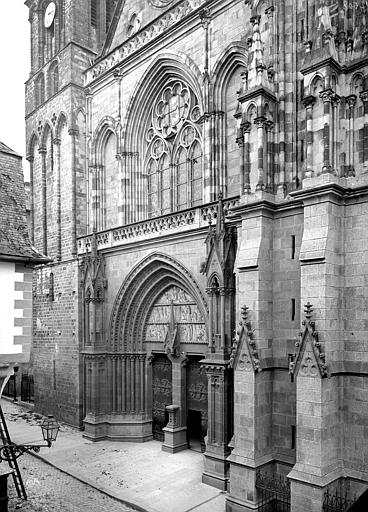 Cathédrale Saint-Pierre Façade ouest : partie inférieure en perspective, Mieusement, Médéric (photographe),