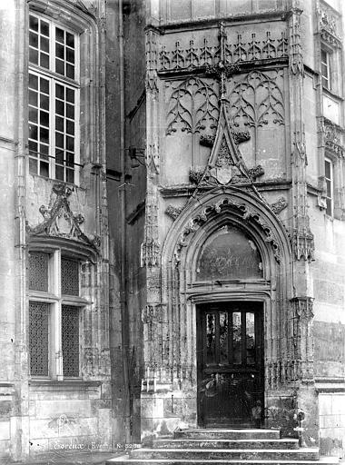 Evêché Tourelle : Porte et fenêtre, Mieusement, Médéric (photographe),