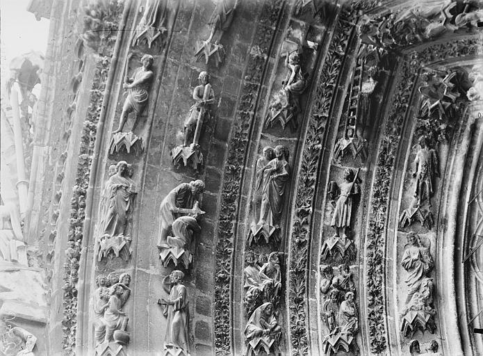 Cathédrale Notre-Dame Portail ouest, porte gauche, voussure de gauche, partie supérieure, Lajoie, Abel,