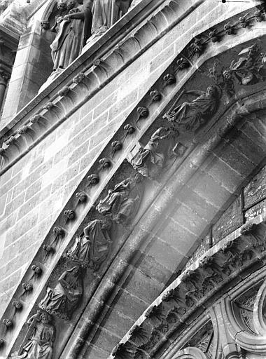 Cathédrale Notre-Dame Rose sud, partie supérieure, à gauche, Lajoie, Abel,