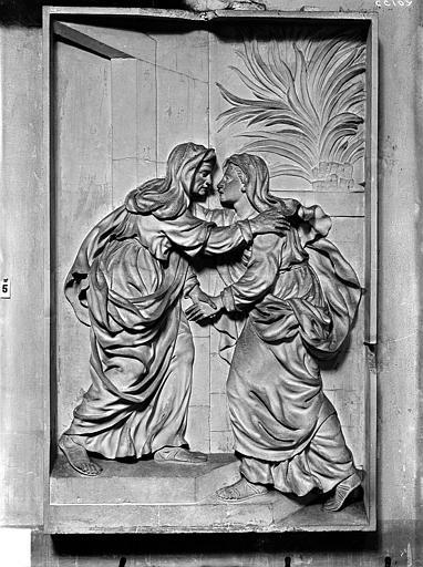 Eglise Notre-Dame Bas-relief, La Visitation, situé dans la chapelle de l'Assomption, Gossin (photographe),