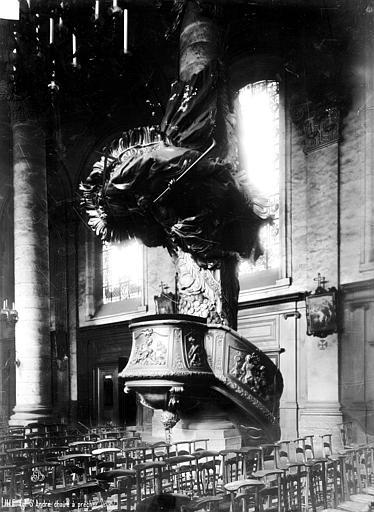 Eglise Saint-André Chaire, Robert, Paul (photographe),