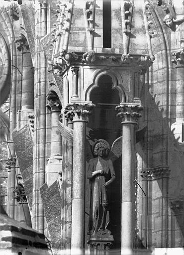Cathédrale Notre-Dame Premier ange de l'abside, au sud, Lajoie, Abel,