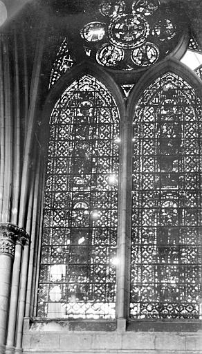Cathédrale Notre-Dame Vitrail, baie de la nef, Sainsaulieu, Max (photographe),
