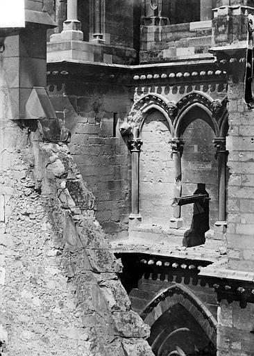 Cathédrale Notre-Dame Transept sud : Arcature, Sainsaulieu, Max (photographe),
