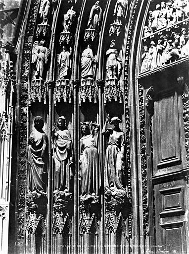 Cathédrale Notre-Dame Portail nord de la façade ouest. Statues de l'ébrasement gauche : Les Vices, Le Secq, Henri (photographe),