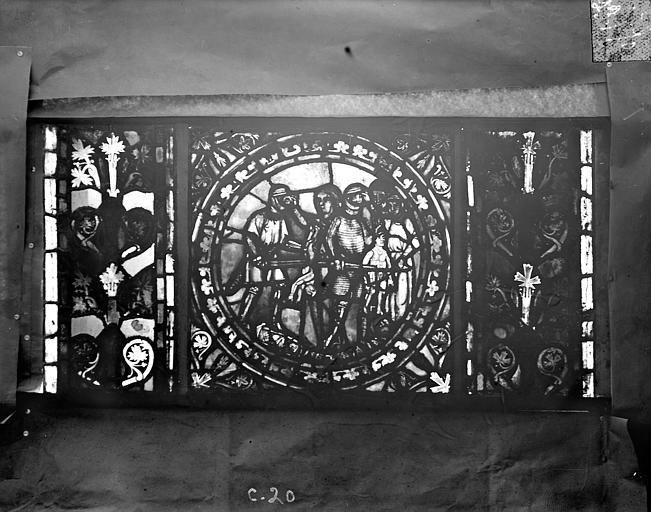 Eglise Saint-Gengoult Vitrail de l'abside, lancette de droite, panneau 21, Romanais (photographe),