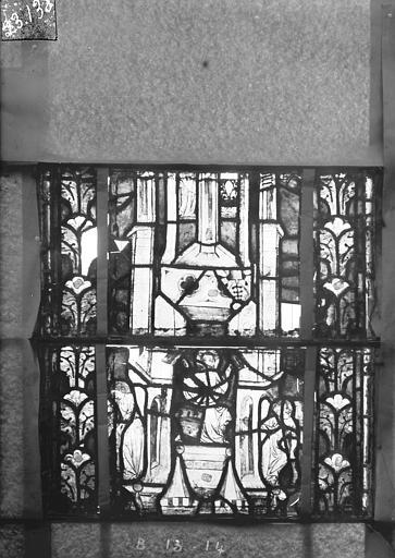 Eglise Saint-Gengoult Vitrail du transept nord, fenêtre B, 2ème lancette à gauche, panneaux au dessus 13, 14, Romanais (photographe),