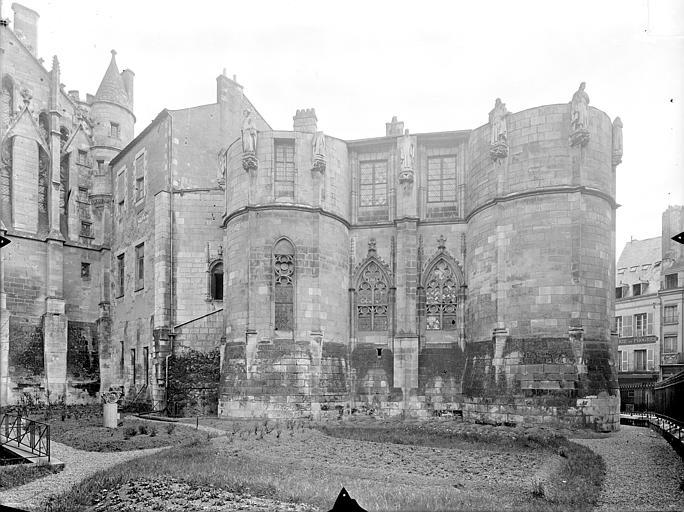 Palais des Comtes de Poitiers (ancien) ; Palais de Justice Tour Maubergeon : façade ouest sur le jardin, Gossin (photographe),