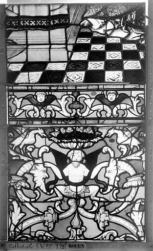Cathédrale Vitrail, Chapelle Saint-Joseph, Vie de saint Romain, lancette médiane, troisième panneau, en haut, Heuzé, Henri (photographe),