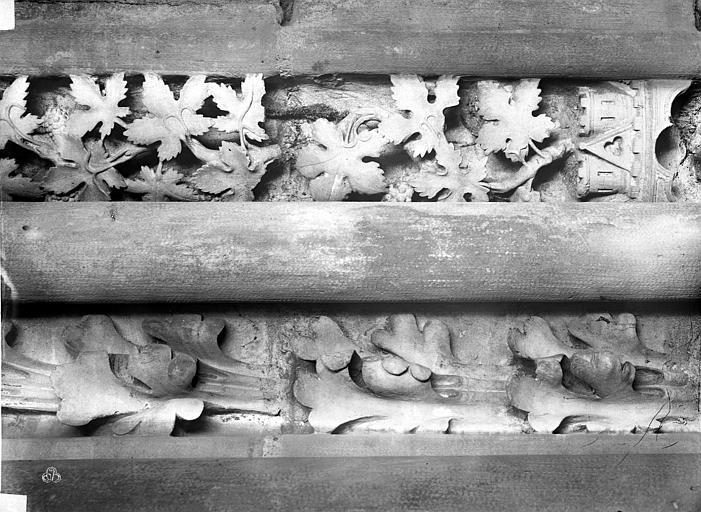 Basilique Saint-Denis Colonnes piédroit droite, Durand, Eugène (photographe),