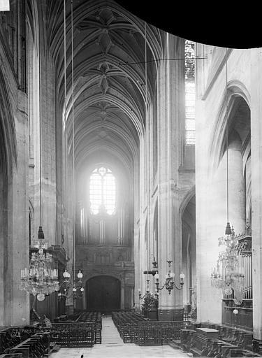 Eglise Saint-Gervais-Saint-Protais Nef, vue du choeur, Durand, Eugène (photographe),