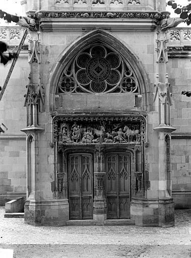 Château Chapelle Saint-Hubert : Portail d'entrée, Cousin,
