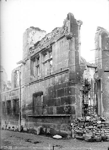 Hôtel Le Vergeur Façade, Verneau, G.,