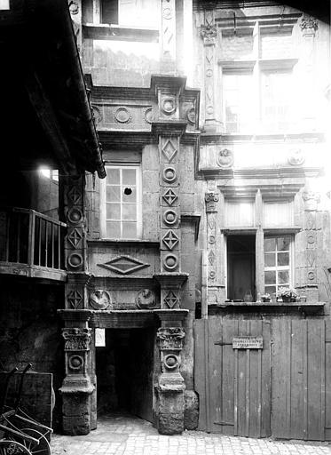 Maison Cour, Mieusement, Médéric (photographe),