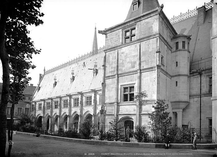 Palais Ducal (ancien) Façade sur cour, Mieusement, Médéric (photographe),