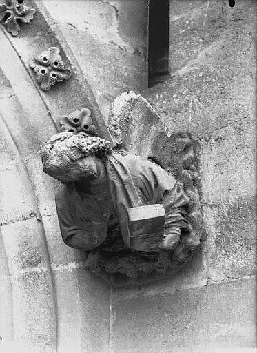 Cathédrale Notre-Dame Sommier d'arc, bras nord du transept, l'Ange de saint Mathieu, Lajoie, Abel,