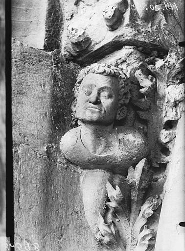 Cathédrale Notre-Dame Tour sud, tête d'amortissement d'arc, Lajoie, Abel,