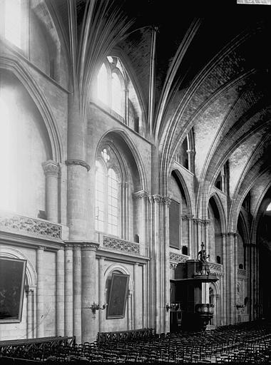 Cathédrale Saint-André Nef: travées et chaire, Enlart, Camille (historien),