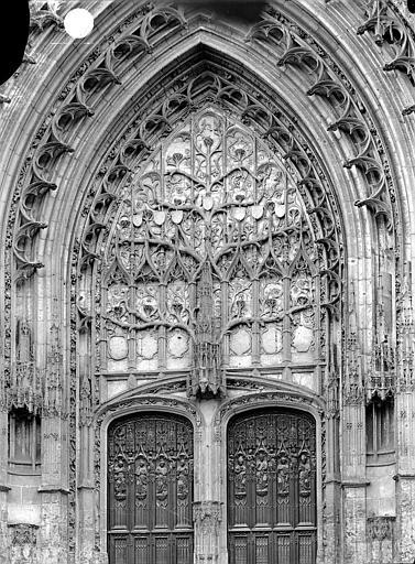 Cathédrale Saint-Pierre Portail du transept nord : tympan, Durand, Jean-Eugène (photographe),
