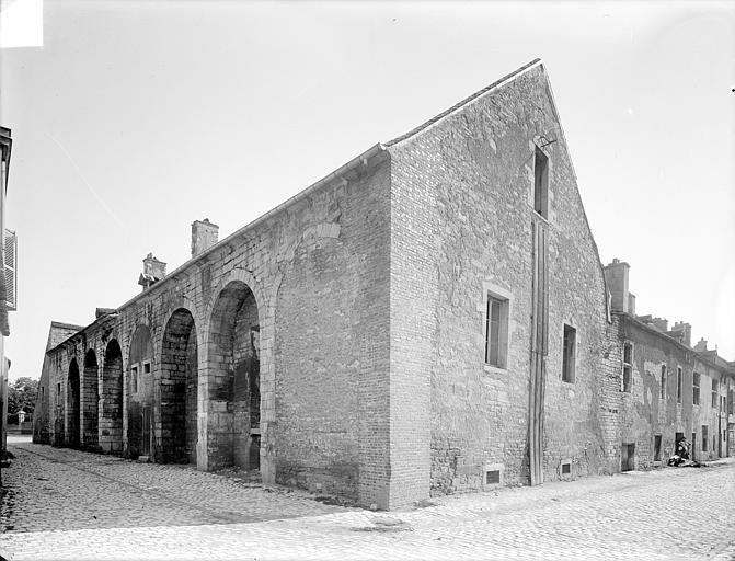 Abbaye de Clairvaux (ancienne) Cellier : ensemble sud-ouest, Heuzé, Henri (photographe),