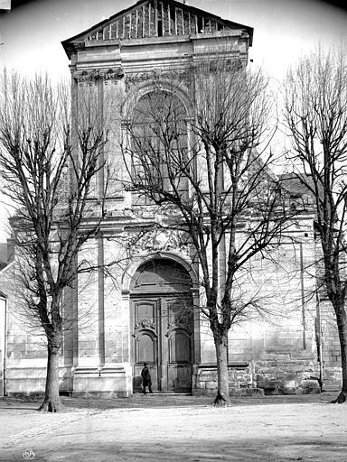 Eglise Saint-Taurin Façade ouest, Mieusement, Médéric (photographe),